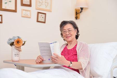 分类图片 成都养老院:如何服务好老人?